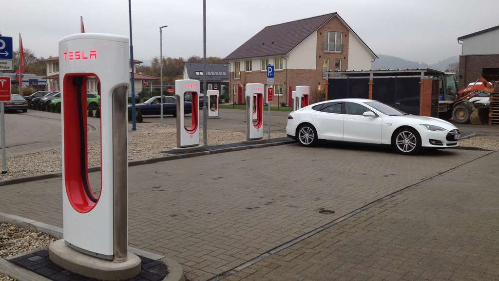 MVV Tesla Supercharger