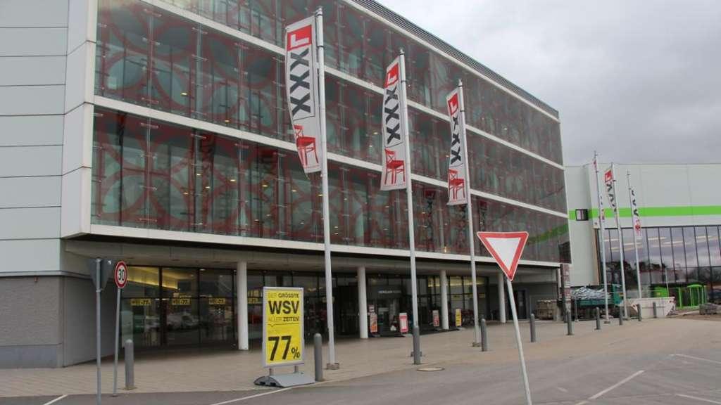 mannheim xxxl betriebsrat will vor landesarbeitsgericht ziehen region. Black Bedroom Furniture Sets. Home Design Ideas