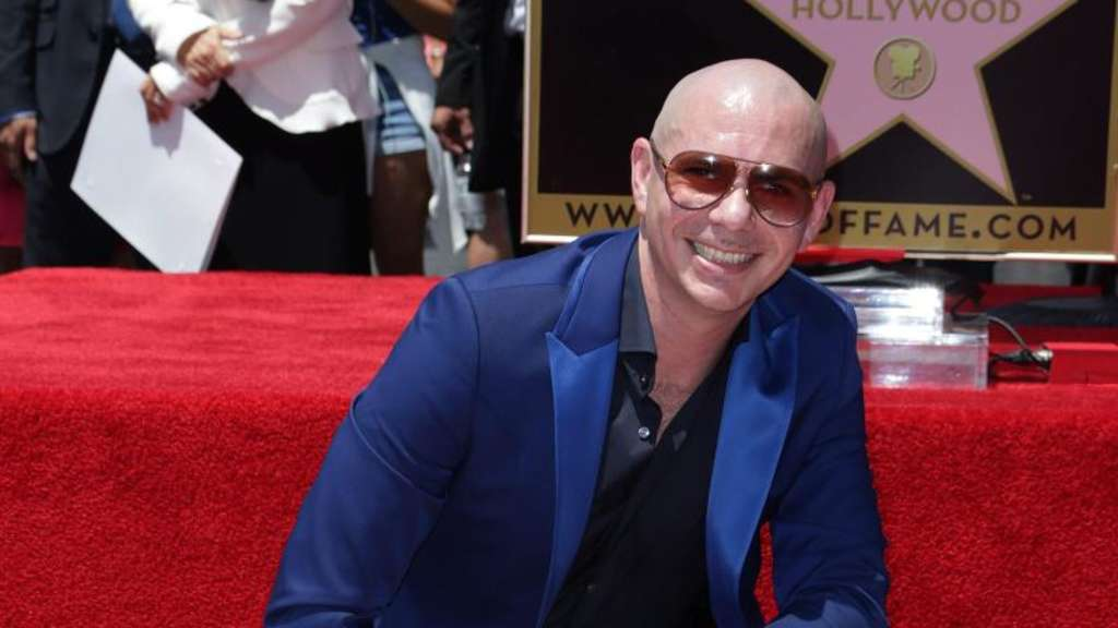 "Ist nun auch auf Hollywoods ""Walk of Fame"" verewigt: der US-Rapper Pitbull. Foto: EPA/Mike Nelson"