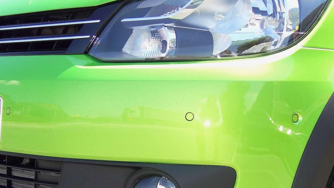 Grün gilt als sicher, leicht und naturfroh. Es ist eine echte Sommerfarbe, denn im Winter kann hellgrün auchgiftig wirken.
