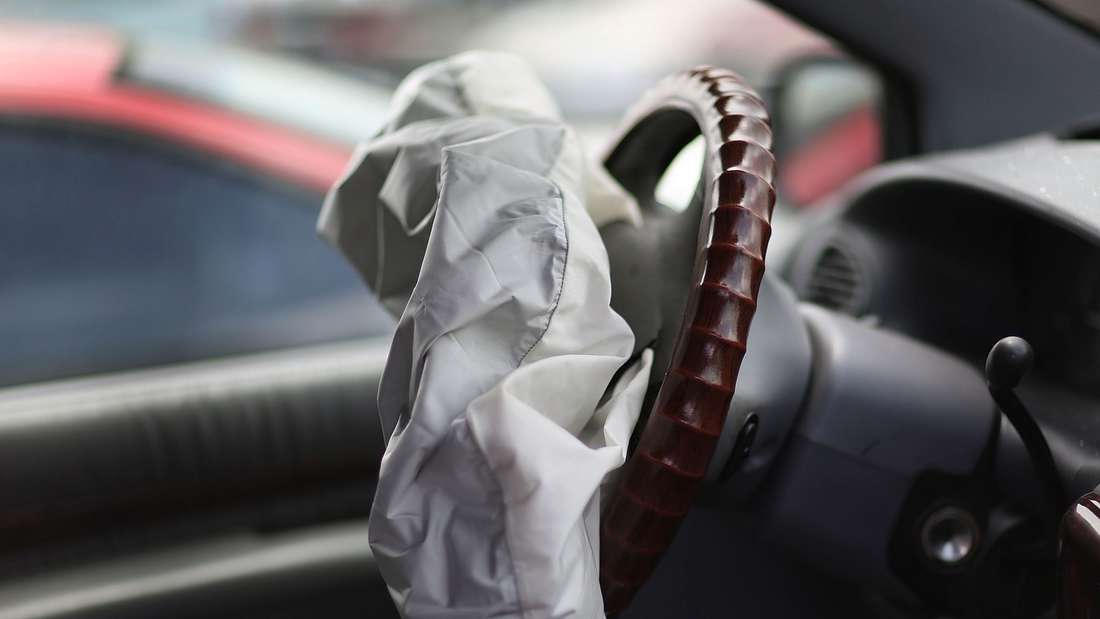 MEDLEY, FL - MAY 22: A deployed airbag is seen in a Chrysler vehicle at the LKQ Pick Your Part salvage yard on May 22, 2015 in Medley, Florida. The largest automotive recall in history centers around the defective Takata Corp. air bags that are found in millions of vehicles that are manufactured by BMW, Chrysler, Daimler Trucks, Ford, General Motors, Honda, Mazda, Mitsubishi, Nissan, Subaru and Toyota. Joe Raedle/Getty Images/AFP== FOR NEWSPAPERS, INTERNET, TELCOS & TELEVISION USE ONLY ==