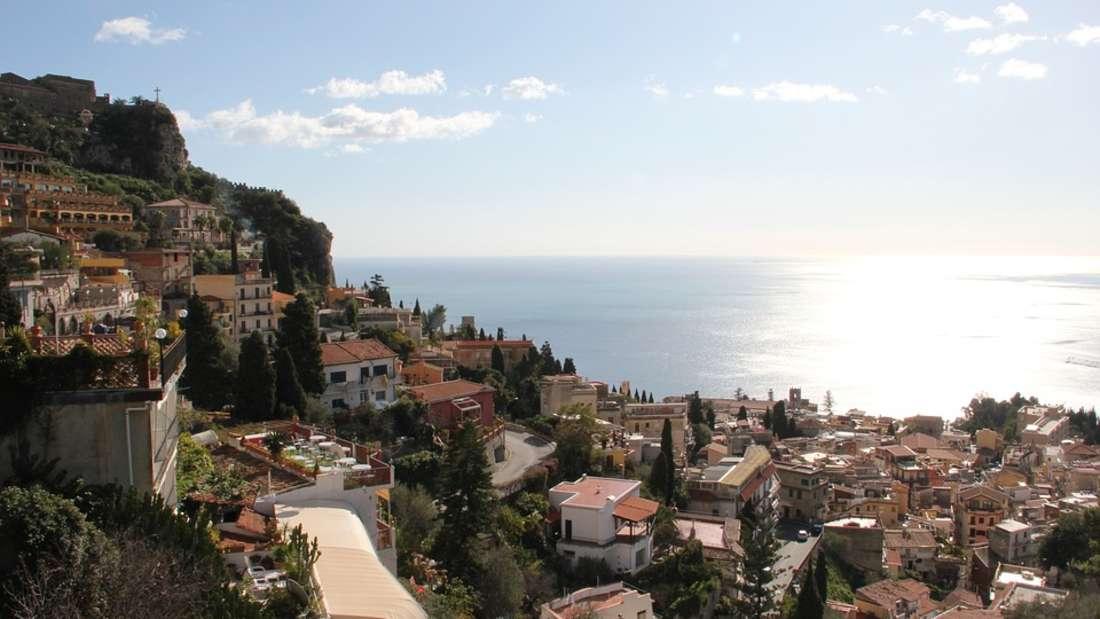 2. Sizilien - die größte Insel im Mittelmeer sprüht nur so vor Überraschungen. Jeder sollte auf dieser Insel einmal in seinem Leben gewesen sein.