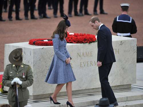 Kate und William gedenken gefallener Soldaten
