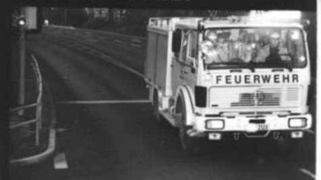 Zu schnell zum Einsatz: Ein Feuerwehrfahrzeug in Bad Mergentheim an der Blitzampel Schlossgartenstraße.