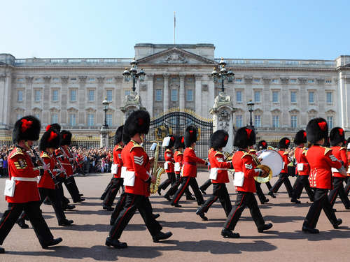 "Queen&#39s Guard spielt ""Game of Thrones""-Melodie"