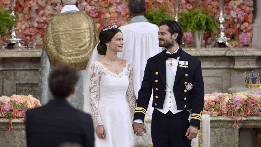 So sieht ein glückliches Brautpaar aus. Foto:Claudio Bresciani/TT