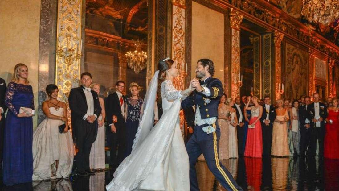 Prinzessin Sofia und Prinz Carl Philip auf dem Parkett beim Hochzeitstanz. Foto: Anders Wiklund