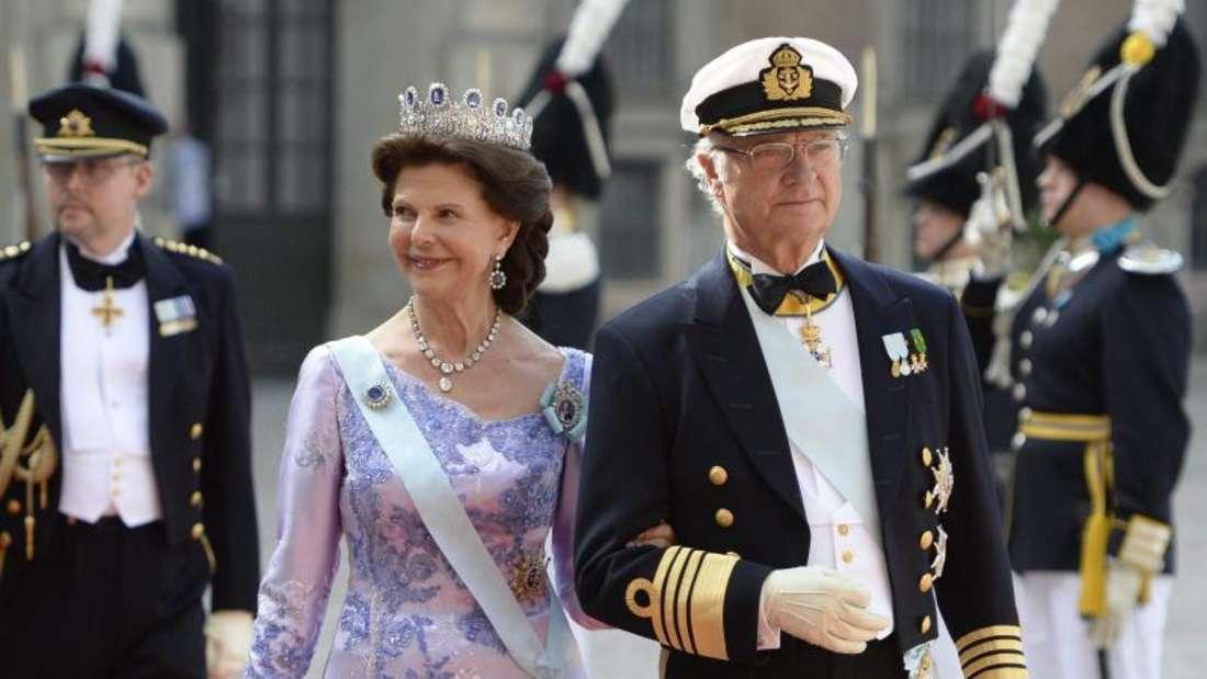 Die glücklichen Brauteltern:Carl Gustaf und Silvia. Foto:Jessica Gow/TT
