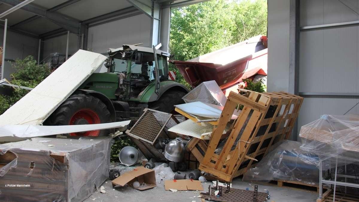 sinsheim traktor macht sich selbstst ndig durchbricht die wand eine lagerhalle in d hren region. Black Bedroom Furniture Sets. Home Design Ideas