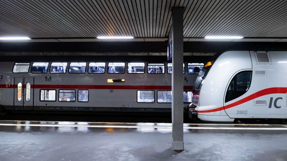 Auch Lokführer und Zugbegleiterpräsentieren sich trotz Stress oftmals äußerst kreativ und witzig - und machen es den Fahrgästen dadurch auch in Ausnahmesituationen erträglicher.