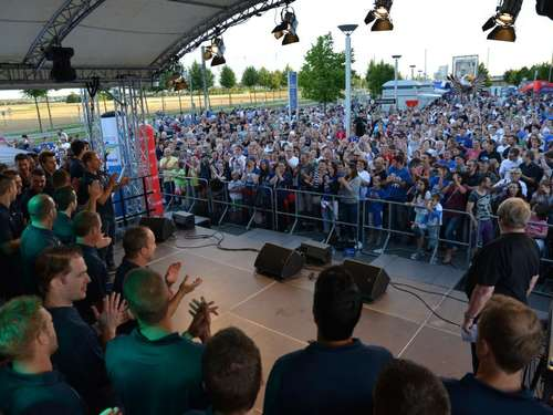 "Adler-Fans feiern: ""The Boys are back in Town!"""