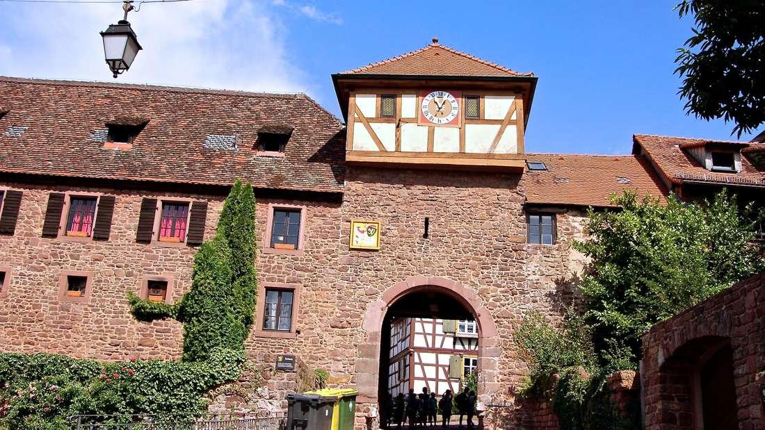 Im Stadttor ist ein Teil der Jugendherberge untergebracht.