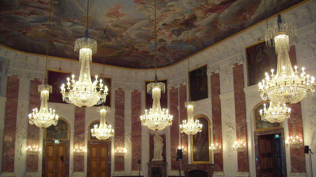 Im April 2007 öffnet das prunkvoll restaurierte Schloss Mannheim (Barock).