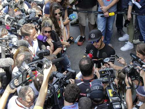 Surreal: Lewis Hamilton und die High Society