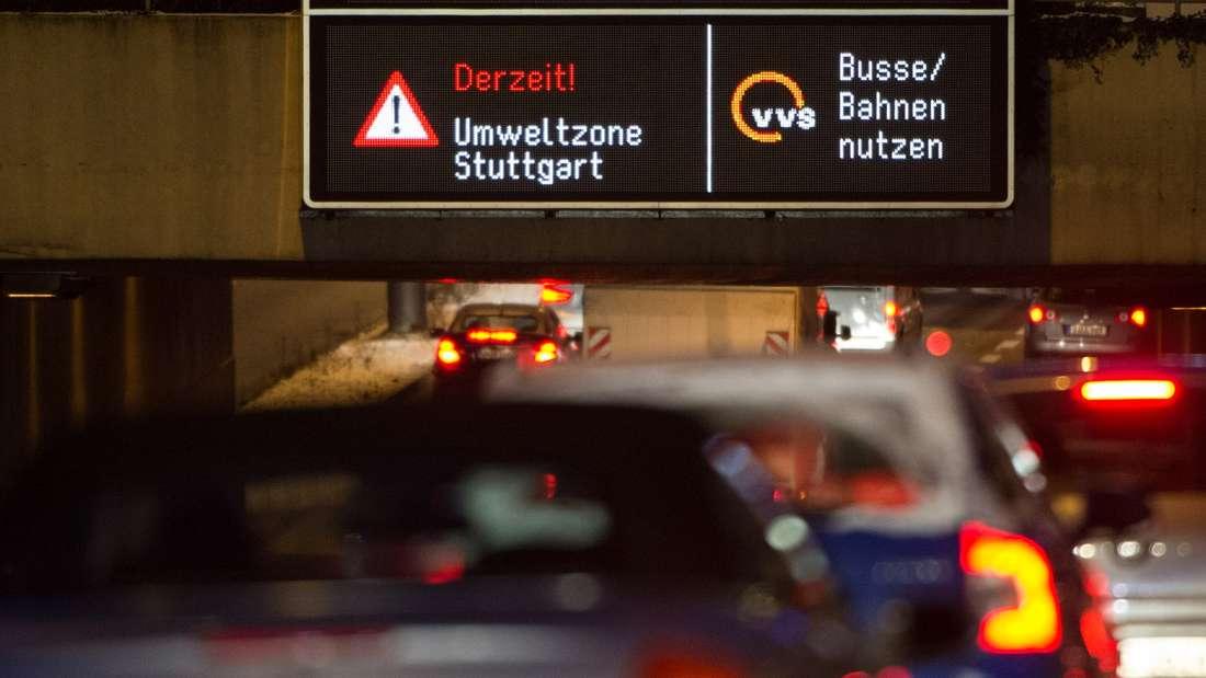 Feinstaub-Alarm: Bürger in Stuttgart sollen ab Montag auf ihr Auto verzichten.