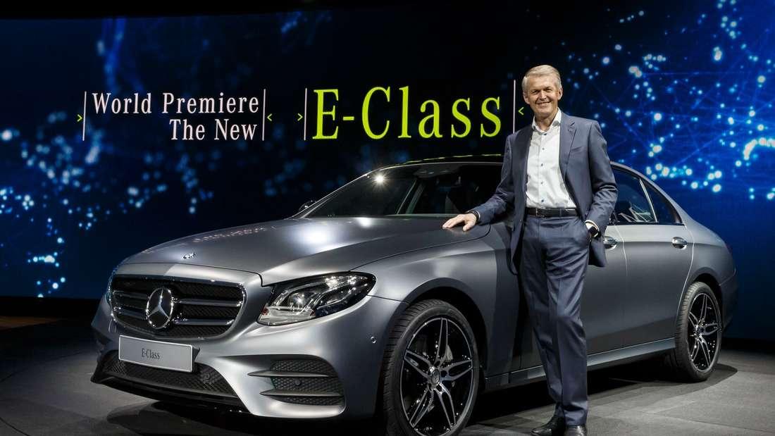 Professor Dr. Thomas Weber, Mitglied des Vorstands der Daimler AG, verantwortlich für Konzernforschung und Entwicklung Mercedes-Benz Cars, bei der Weltpremiere der neuen E-Klasse Limousine auf dem Mercedes-Benz Neujahrsempfang 2016 in Detroit.