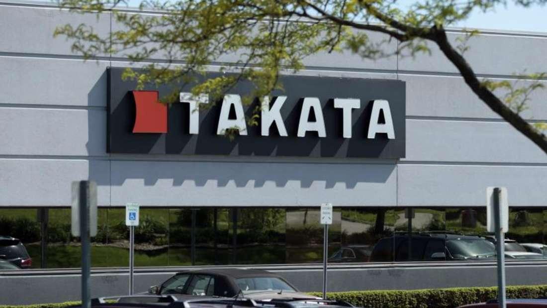 Das Debakel um Airbags des Herstellers Takata nimmt kein Ende. Von neuen Rückrufen sind nun auch Daimler und der VW-Konzern betroffen. Foto: Jeff Kowalsky
