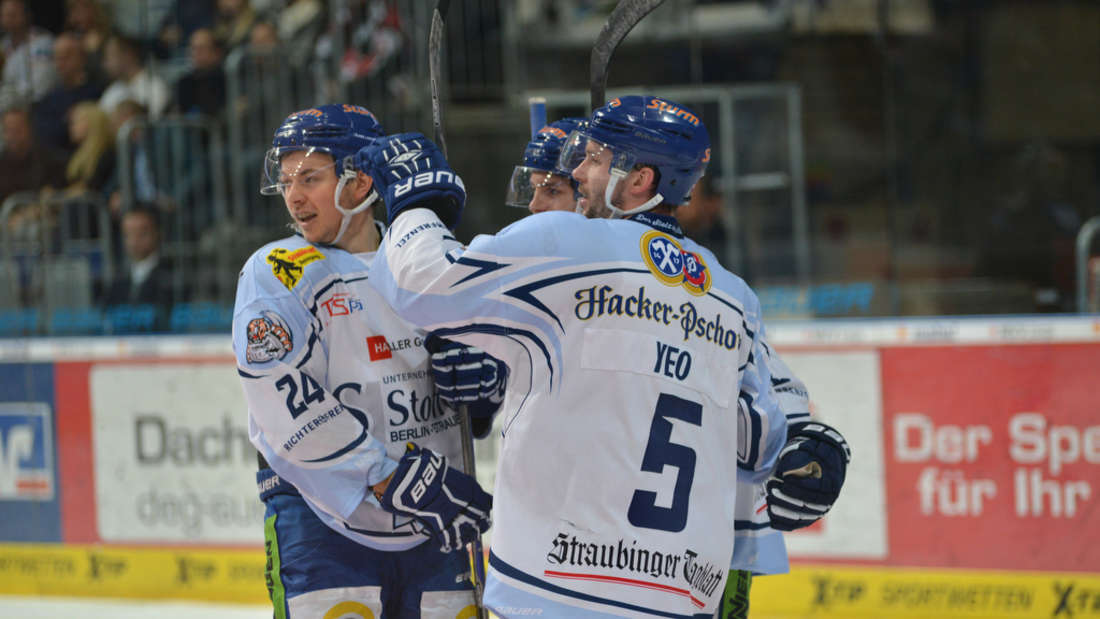 Die Adler Mannheim verlieren gegen Straubing 4:5.