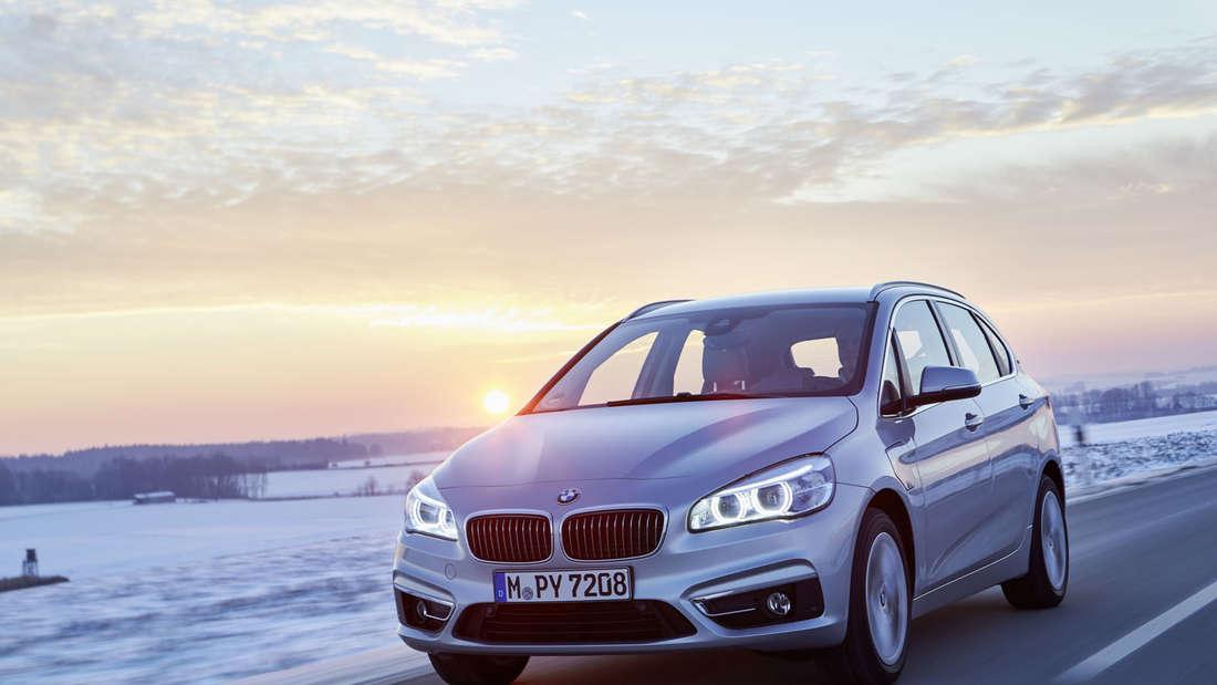BMW 225xe: Plug-in-Hybrid- und Allradantrieb Version der BMW 2er Active Tourer Reihe.