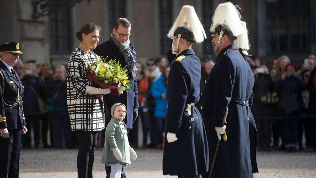 schweden-victoria-sofia-baby-geburt-dpa