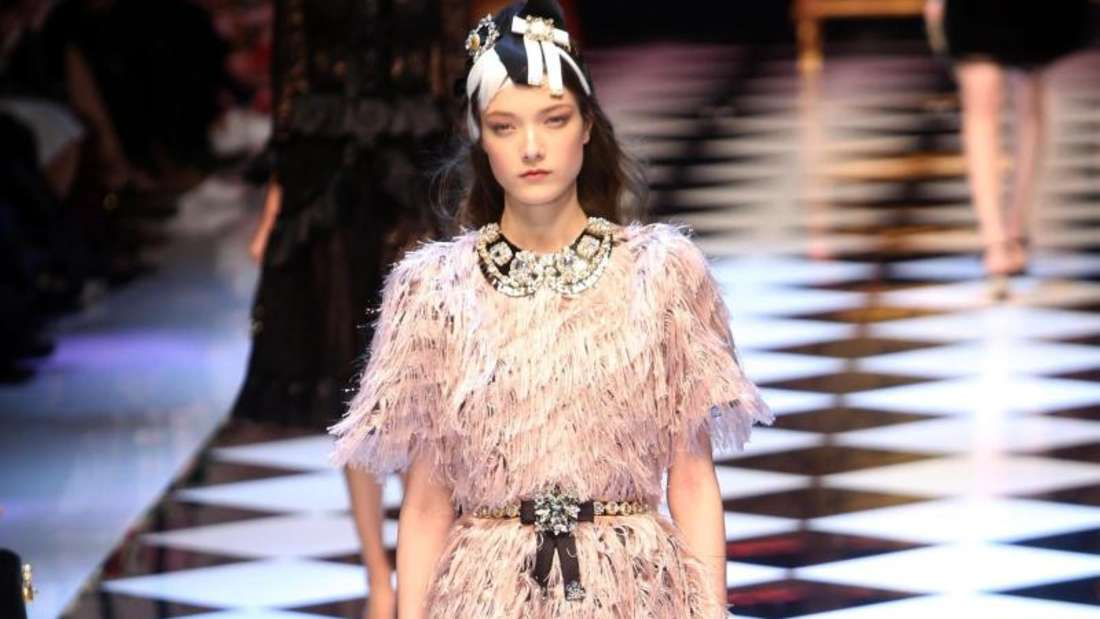 Model-Prinzessin bei Dolce & Gabbana in Mailand. Foto: Matteo Bazzi