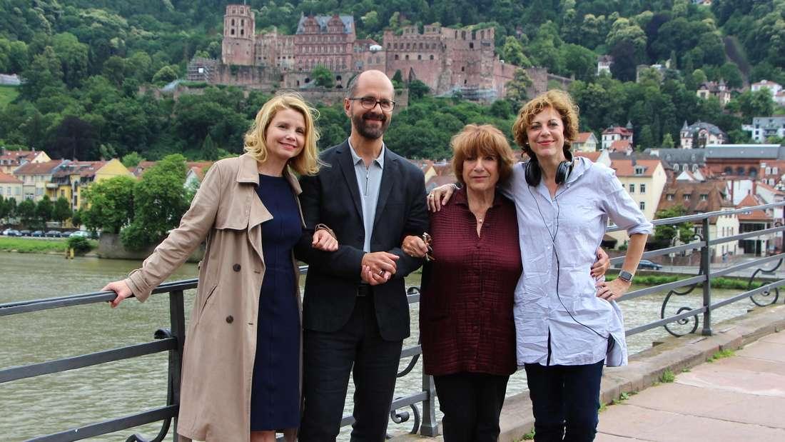 """Die Dreharbeiten zum """"Hotel Heidelberg"""" mit Frier, Herbst, Hoger und Regisseurin Boss (v. li.)."""
