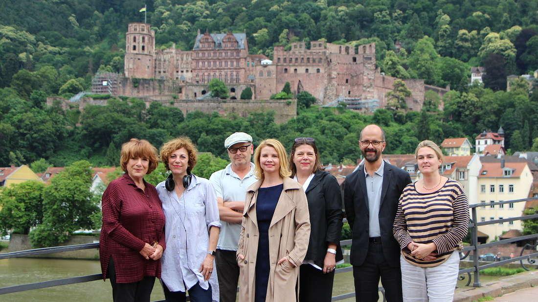 """Die Dreharbeiten zum """"Hotel Heidelberg"""" rund um die Alte Brücke."""