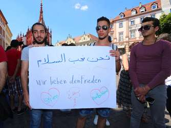 Flüchtlings-Demonstration nach Attacke in Würzburg