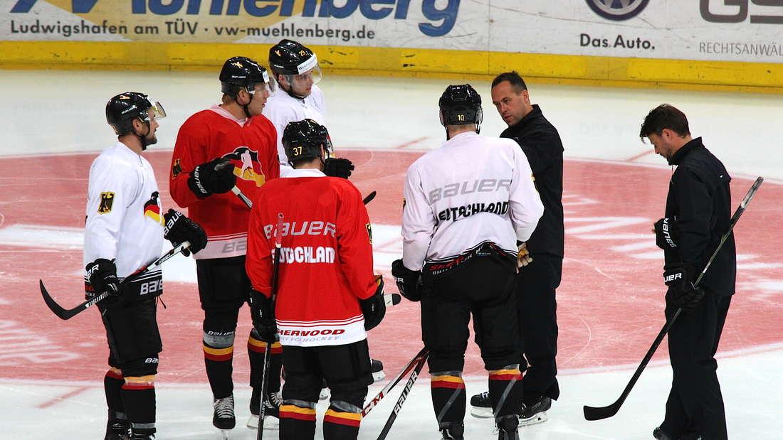 Bundestrainer Marco Sturm bereitet das DEB-Team auf die Olympia-Qualifikation vor.