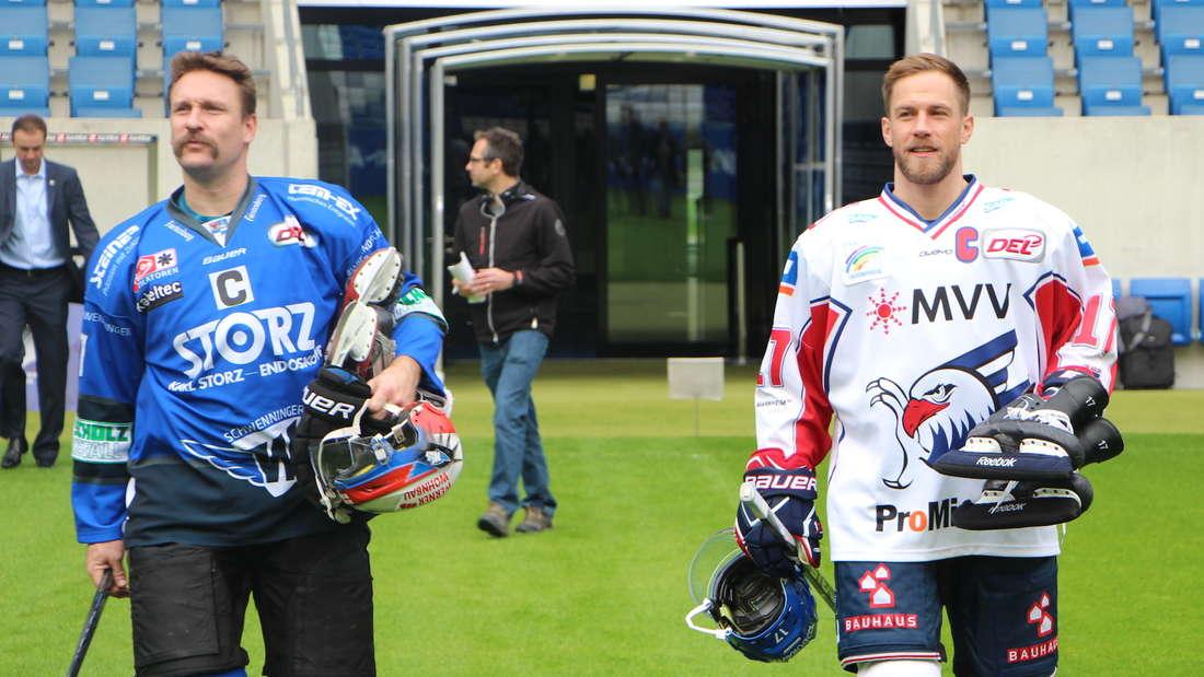 DEL Winter Game: Marcus Kink (Adler Mannheim) und Sascha Goc (Schwenninger Wild Wings) läuten Countdown ein.