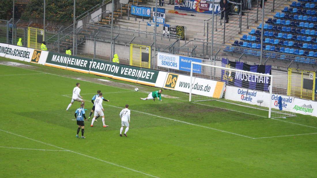 Im letzten Spiel der Hinrunde schlägt der SV Waldhof Eintracht Trier im Carl-Benz-Stadion mit 3:1.