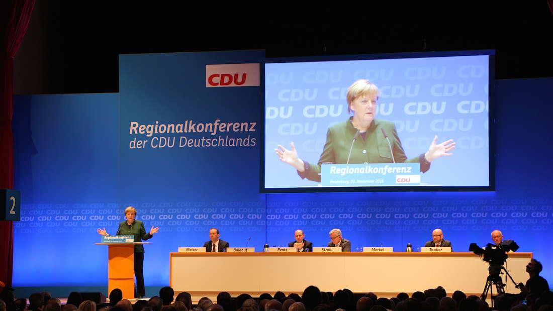 Der Auftritt von Kanzlerin Angela Merkel bei der CDU-Regionalkonferenz in der Stadthalle.