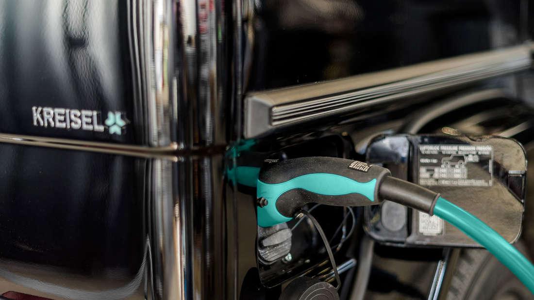 Kreisel Electric hat den Offroad-Klassiker Mercedes G 350 d (Baujahr 2016) elektrifiziert. Arnold Schwarzenegger ist bei der Weltpremiere dabei.
