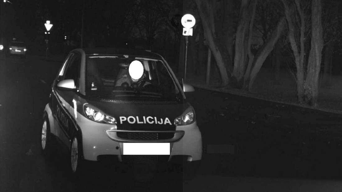 """""""Policija"""" rast in die Radarfalle. So reagiert die Dortmunder Polizei auf den Möchtegern-Einsatzwagen."""