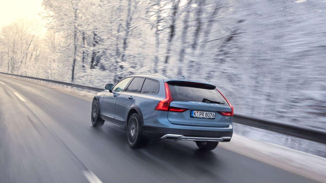 Fotos und Details vom neuen Volvo V90 Cross Country (2017).