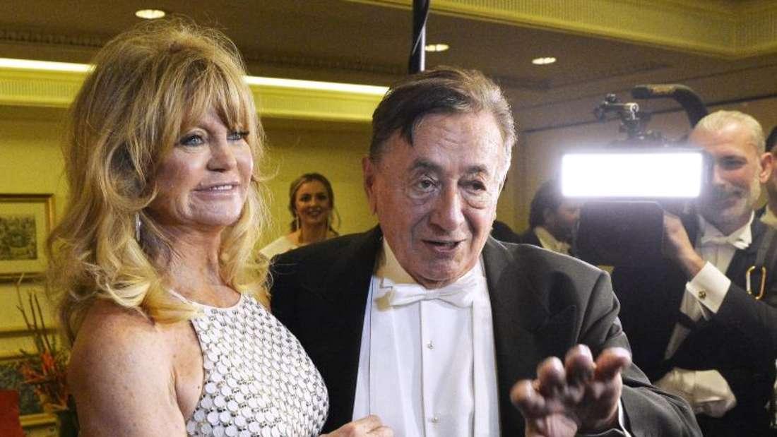 Richard Lugner ist happy:Goldie Hawn entpuppt sich als wunderbarer Gast. Foto: Herbert Pfarrhofer