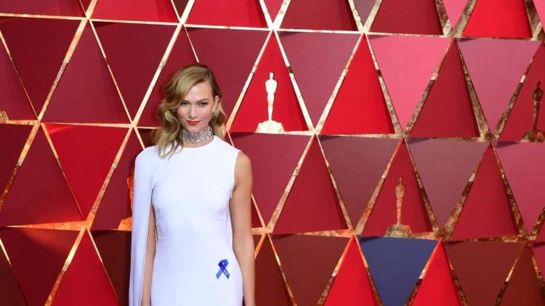 Ultramodern: Model Karlie Kloss bei den Oscars 2017. Foto: Ian West