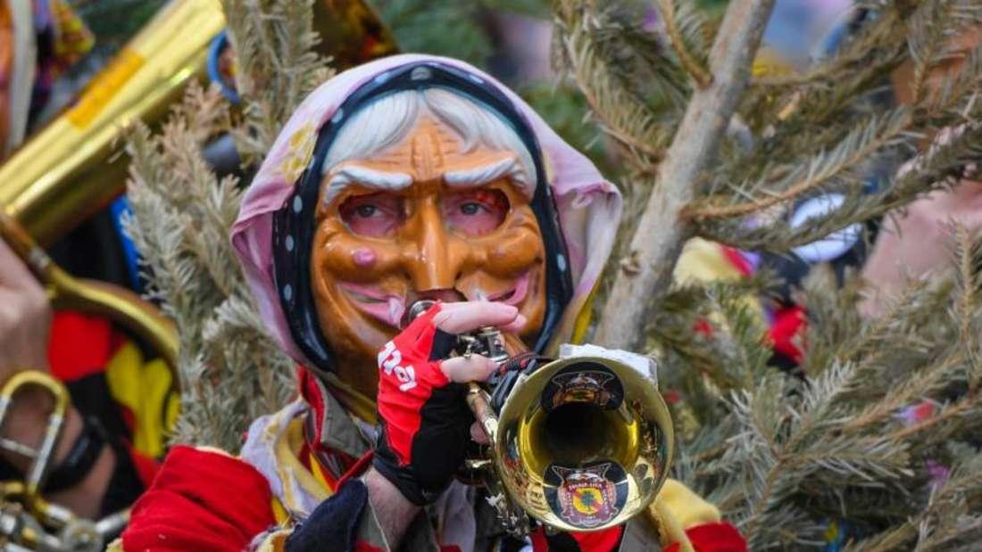 Eine «Tanna Hex» mit Trompete in Mainz. Foto: Andreas Arnold