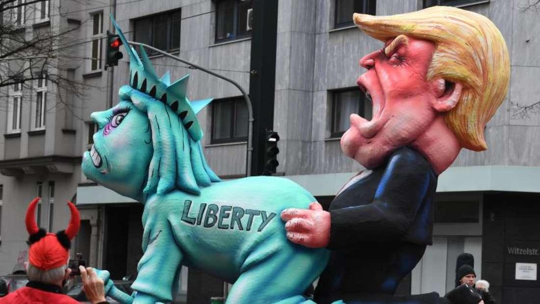 Wagen mit dem US-Präsidenten Donald Trump und der Freiheitsstatue. Foto: Federico Gambarini