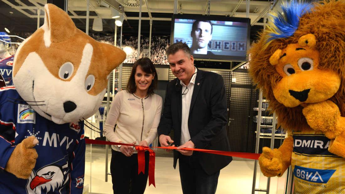 Im Stadtquartier Q6/Q7: Adler-Mannheim- und Rhein-Neckar-Löwen-Fanshop Whistle wird eröffnet.