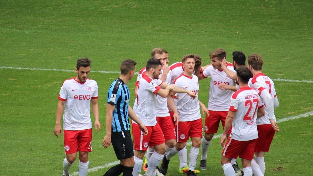 SV Waldhof gewinnt Derby gegen Kickers Offenbach.