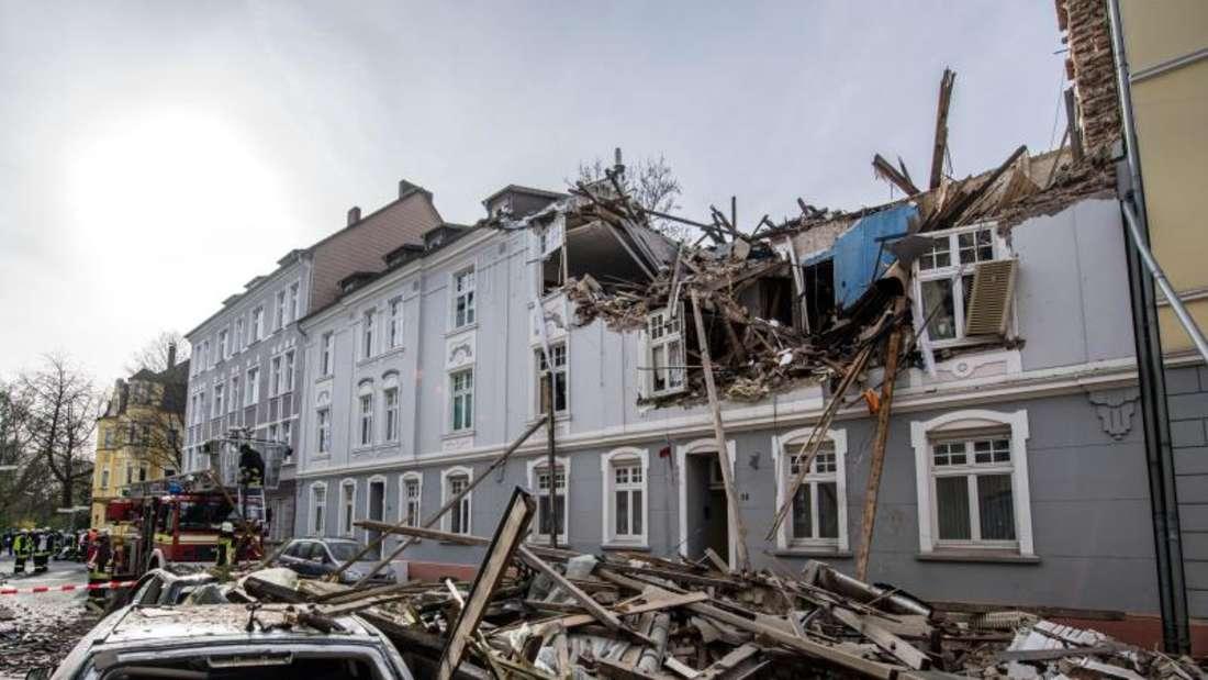 Durch die Wucht der Explosion wurden das Dachgeschoss und die beiden oberen Stockwerke zerstört. Foto:Bernd Thissen