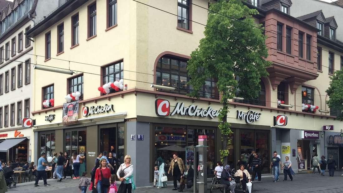 """Seit 11. Mai offen: """"Mr. Chicken"""" beerbt die Räume der """"Back-Factory"""" am Marktplatz."""