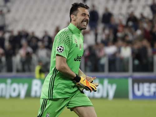 Italiens Torwartlegende Buffon strebt nach Krönung