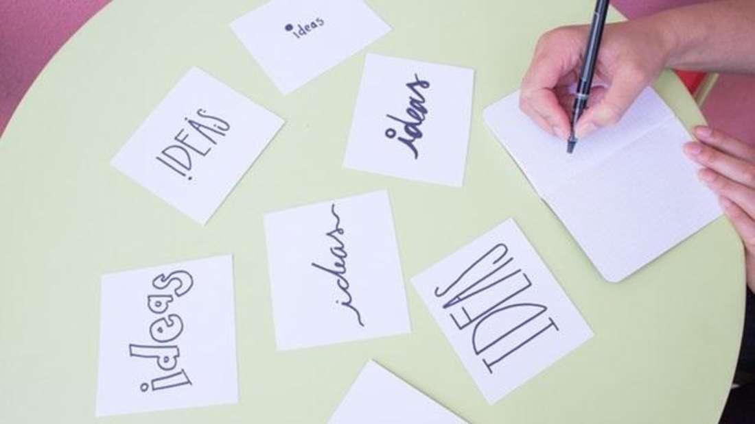 Statt Brainstorming ist bei Ihnen eher Leere im Kopf angesagt, Ihnen kommen einfach keine kreativen Ideen? Eine finnische Studie zeigt, dass ein Urlaub die Gedanken wieder in Schwung bringt und für originelle Ideen sorgt.