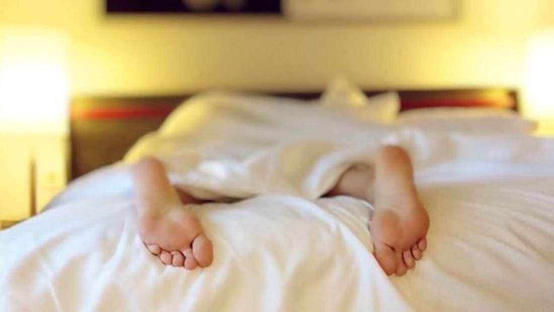... Schlaflosigkeit. Spätestens dann sollten Sie sich langsam in den Urlaub verabschieden. Ein paar freie Tage laden Ihren Akku wieder auf und sorgen für Entspannung.