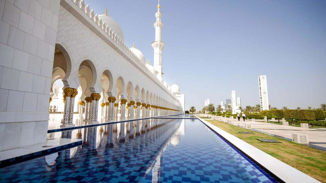 1.001 Nacht in der Scheich-Zayid-Moschee in Abu Dhabi