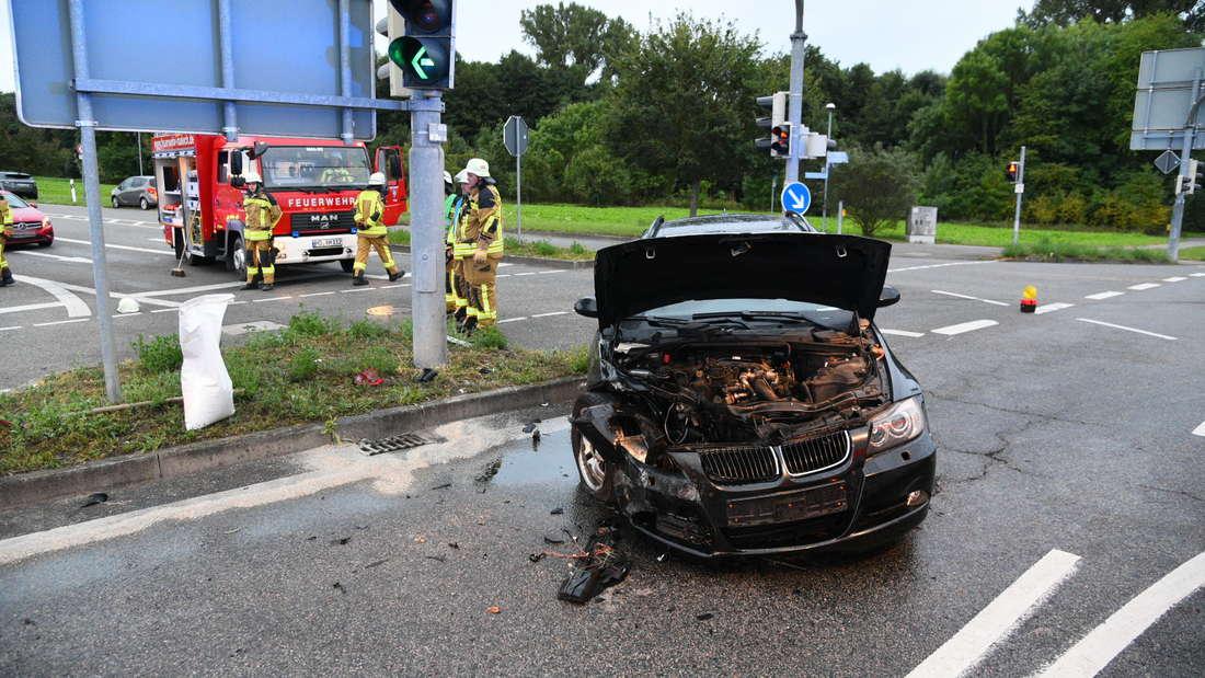 Ein schwerer Unfall auf der B3 bei Malsch hat drei Verletzte zur Folge.