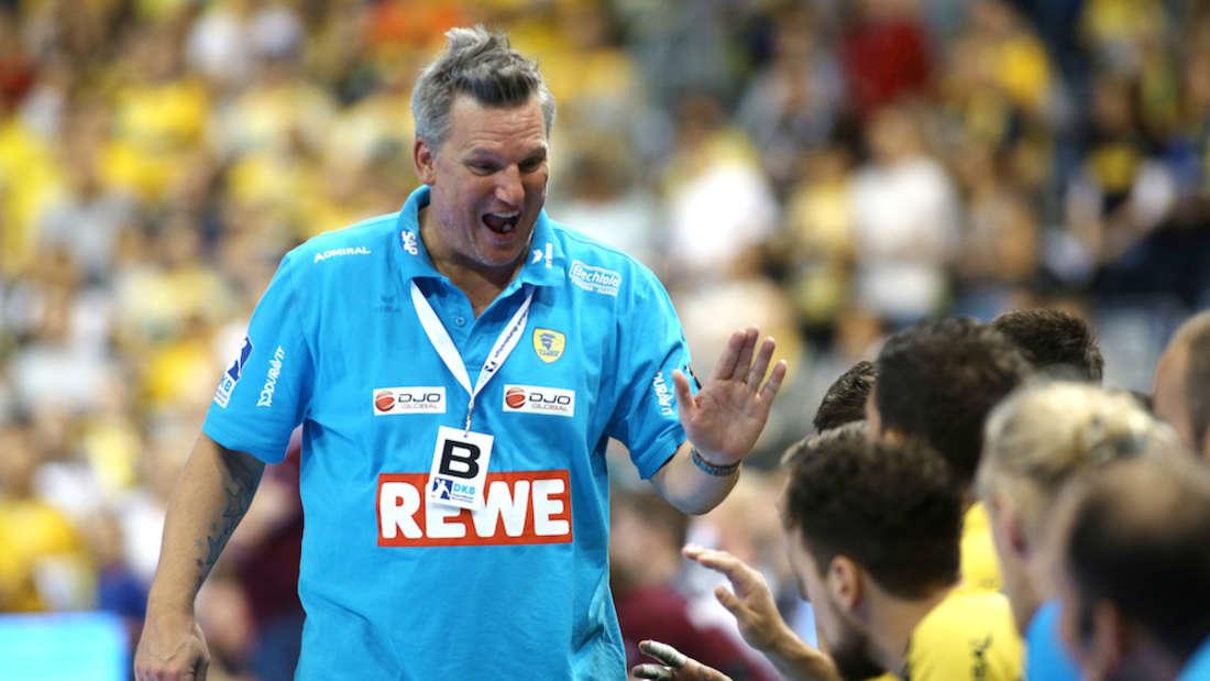 Löwen-Coach Nikolaj Jacobsen kann sich über den nächsten Sieg freuen (Archiv).