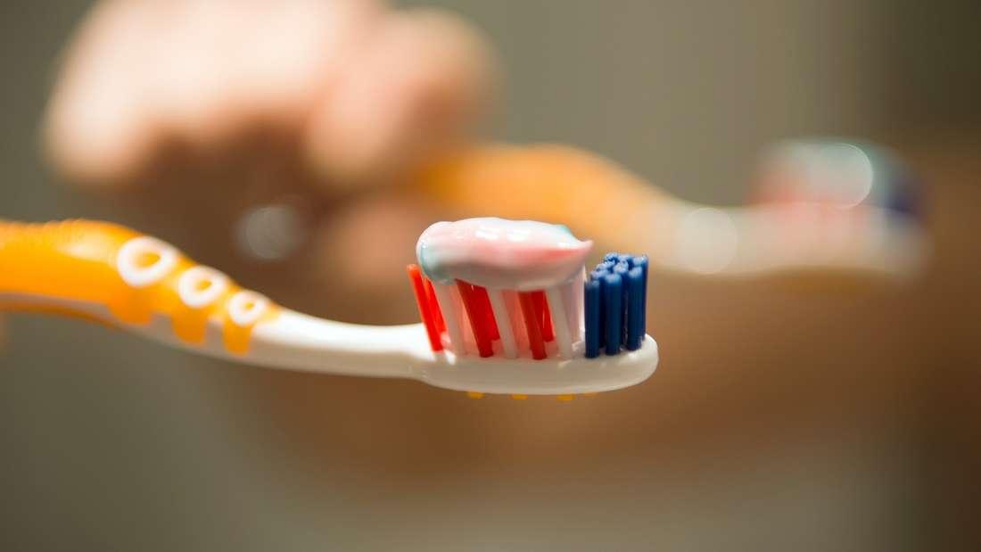 Nach diesem Artikel lassen Sie Ihre Zahnbürste nie mehr offen herumliegen.